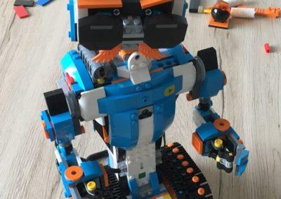 LEGO Boost Modell Vernie aufgebaut (vorne).