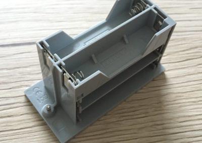 Das LEGO Boost Batteriefach von der Seite