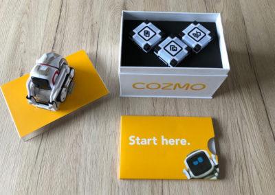Cozmo und die Lichtwürfel in der Verpackung