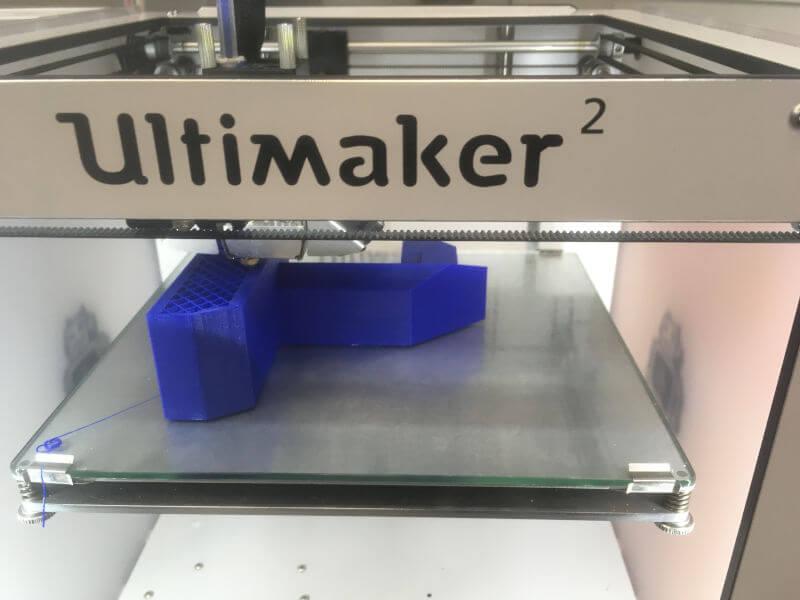 Ein Modell wird im 3D-Drucker gedruckt.