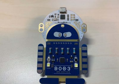 BOB3 mit dem Programmierhelm