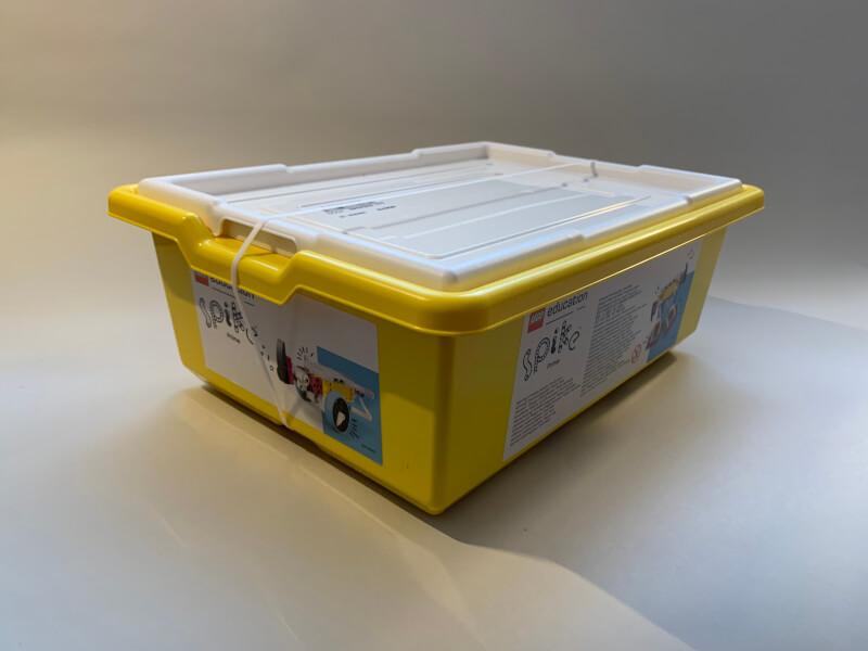 Die gelbe Kunststoffbox des Basis-Sets