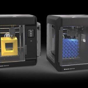 Die beiden 3D-Drucker von MakerBot, die im SKETCH Classroom Setup enthalten sind