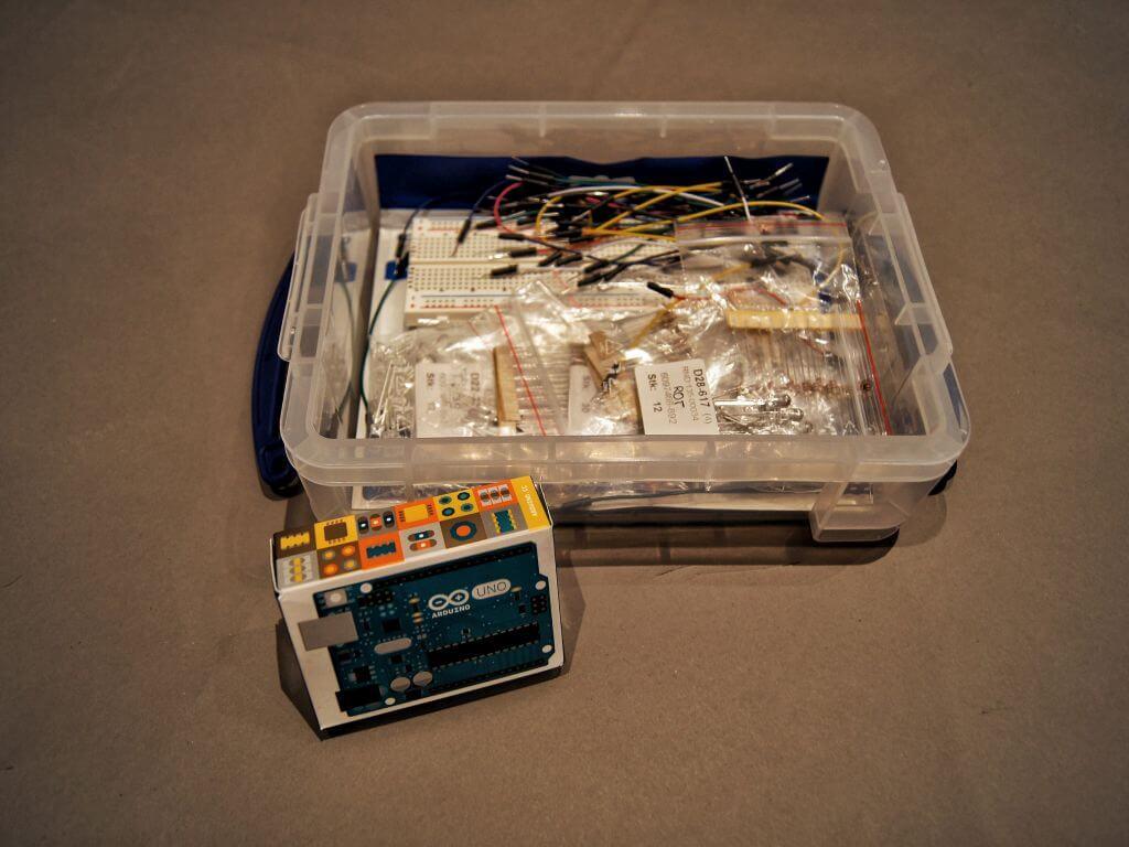 Der Arduino Uno mit Zubehör